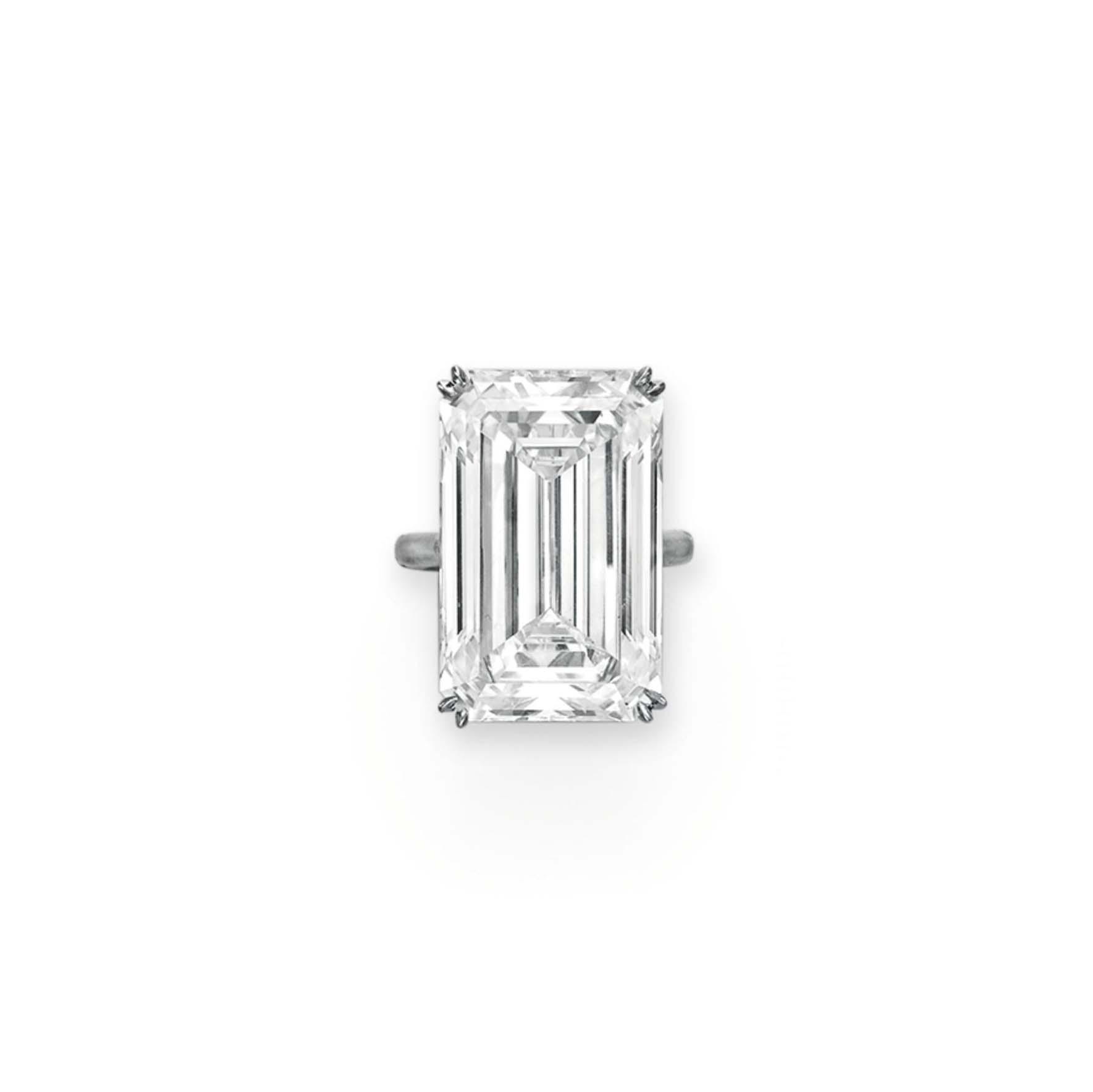 AN IMPRESSIVE DIAMOND RING
