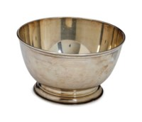 AN AMERICAN SILVER REVERE-STYLE CENTER BOWL,