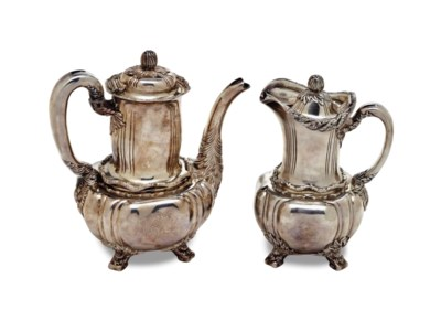 AN EARLY AMERICAN SILVER COFFE