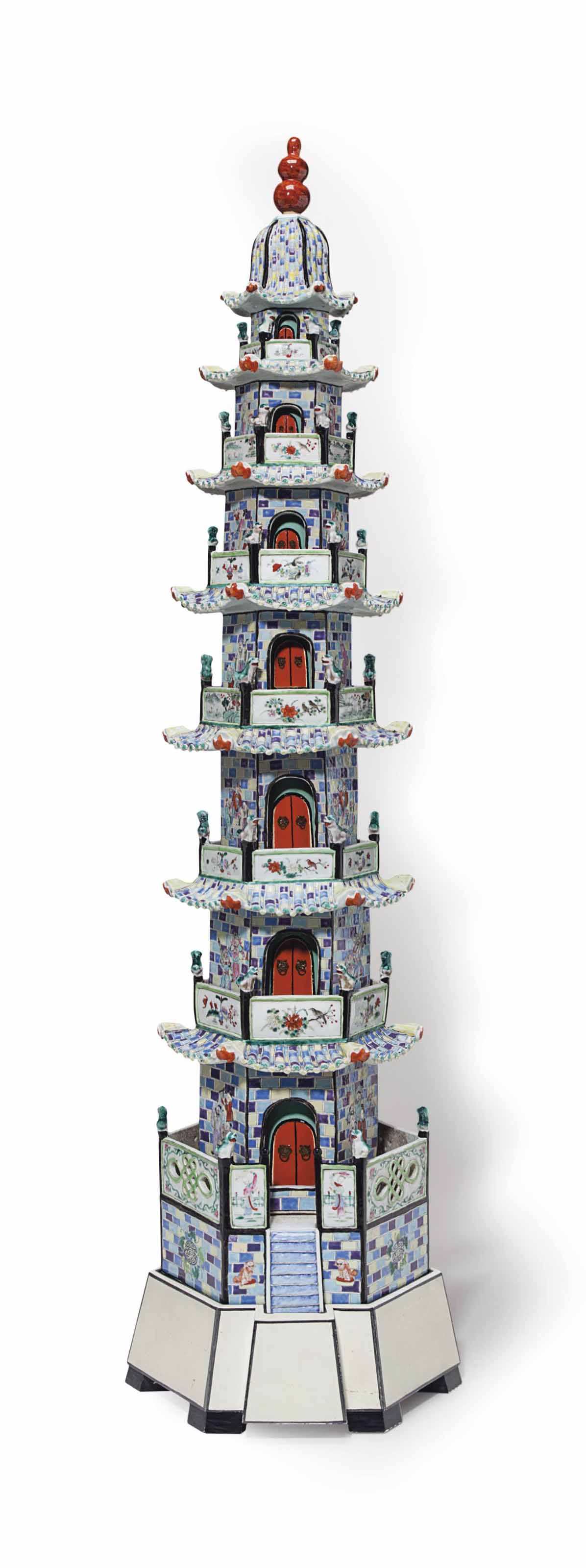 A LARGE CHINESE EXPORT PORCELAIN PAGODA