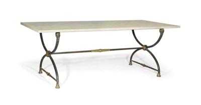 TABLE DE STYLE NEOCLASSIQUE