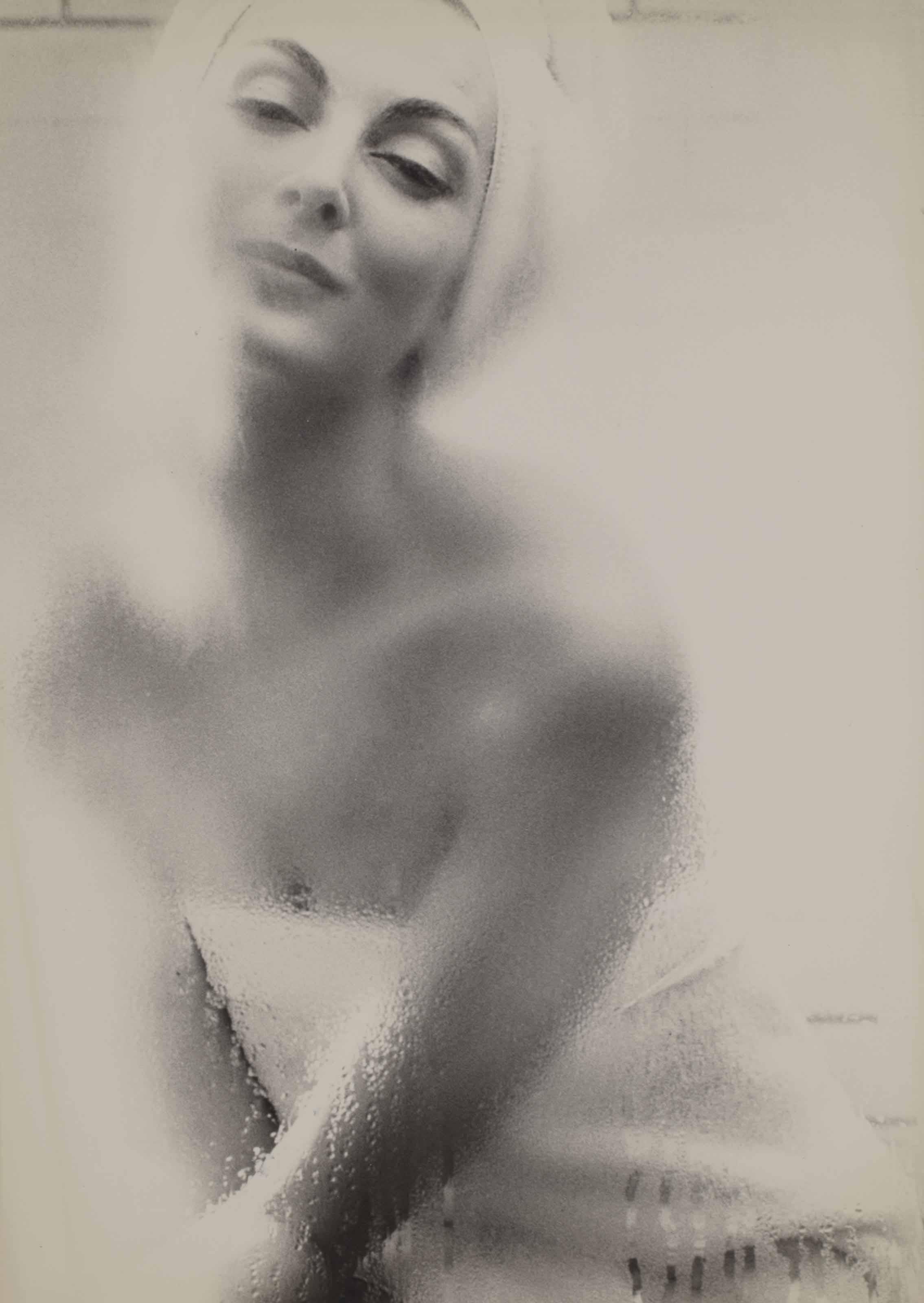 Carmen, Harper's Bazaar, vers 1960