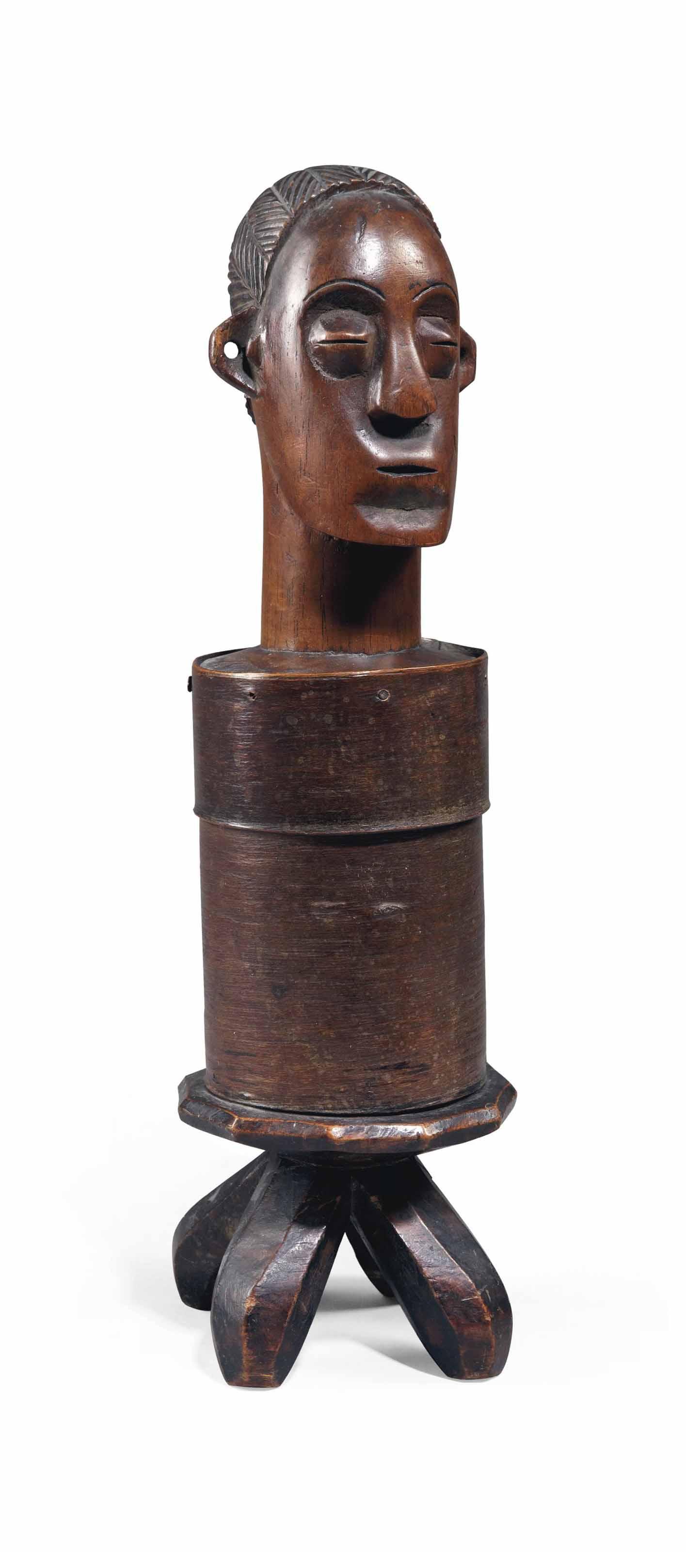 Boîte Mangbetu figurative Mang