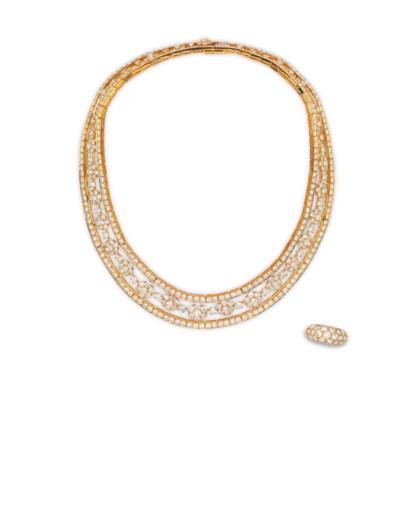 A DIAMOND 'SNOWFLAKE' NECKLACE