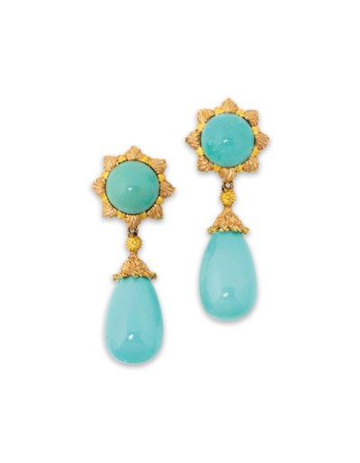 A PAIR OF TURQUOISE EAR PENDAN