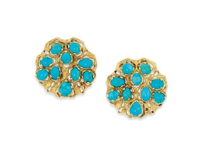 A PAIR OF TURQUOISE CLIP BROOC