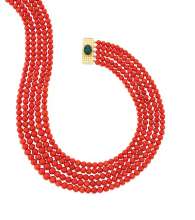 A MULTI-ROW CORAL NECKLACE