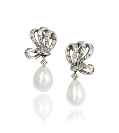 A PAIR OF FINE NATURAL PEARL A