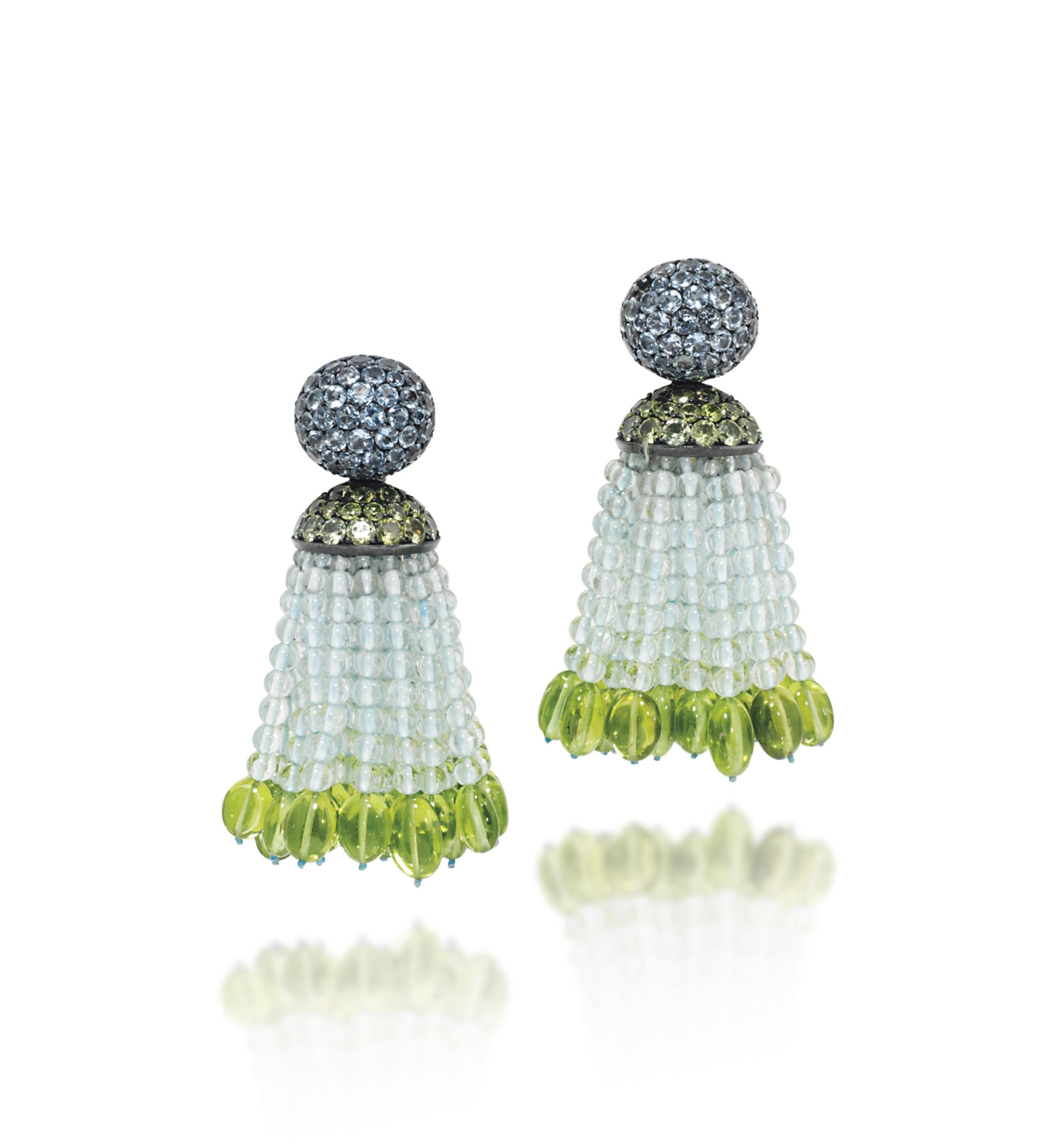 A PAIR OF AQUAMARINE AND PERIDOT TASSEL EAR PENDANTS, BY HEMMERLE