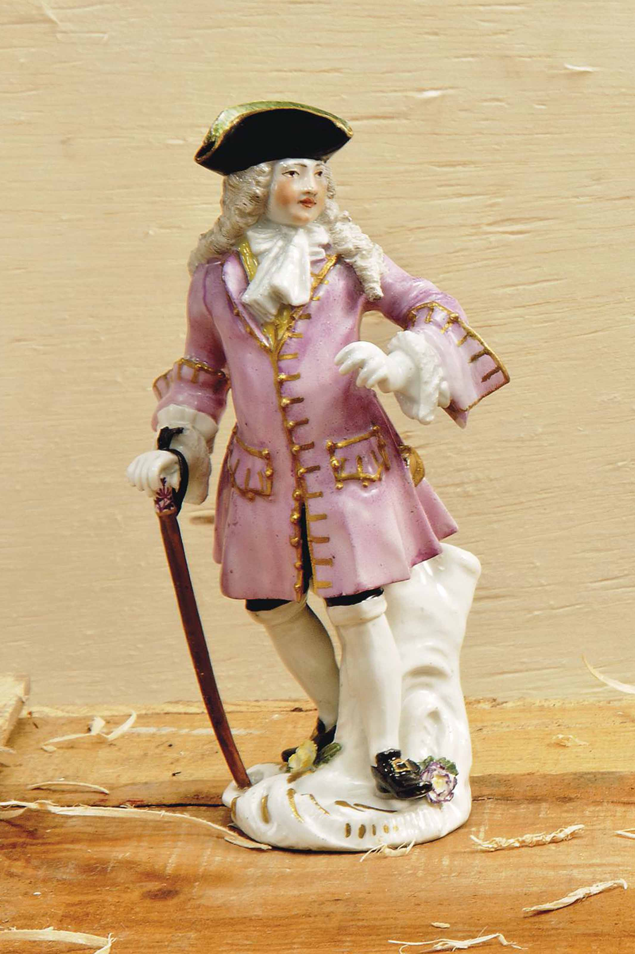 A MEISSEN FIGURE OF THE SQUIRE