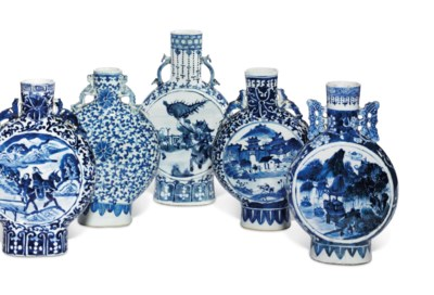 FIVE CHINESE BLUE AND WHITE MO