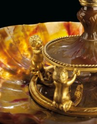 A SILVER AND ORMOLU-MOUNTED CARVED AGATE EWER AND BASIN
