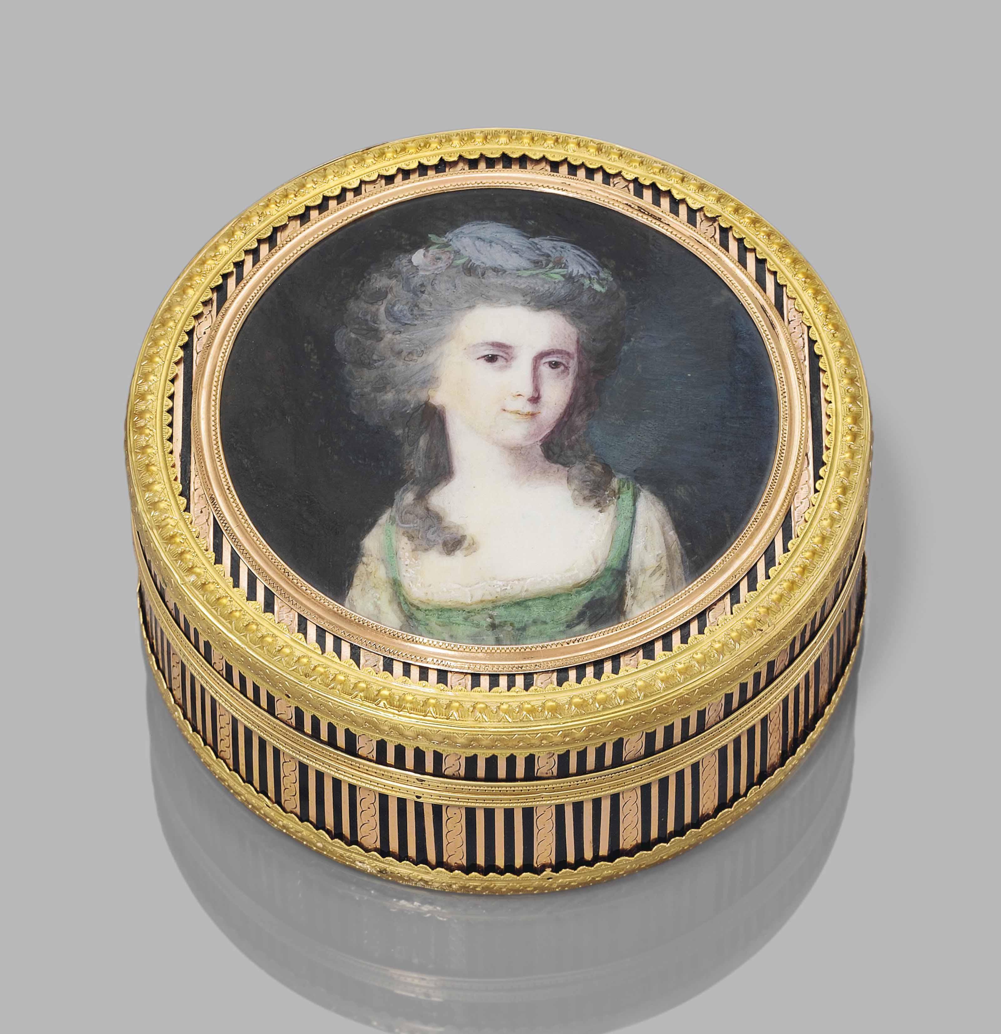 A LOUIS XVI GOLD-MOUNTED TORTO