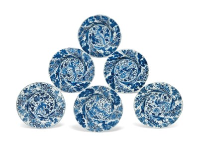 A SET OF SIX BLUE AND WHITE MO