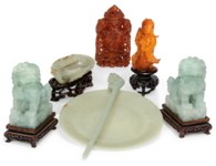 A COLLECTION OF JADE, AMBER AN