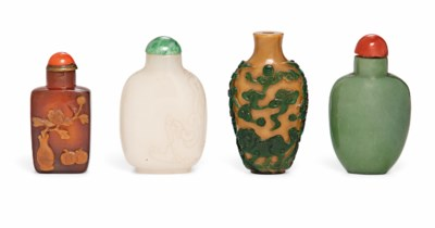 A GROUP OF FOUR SNUFF BOTTLES