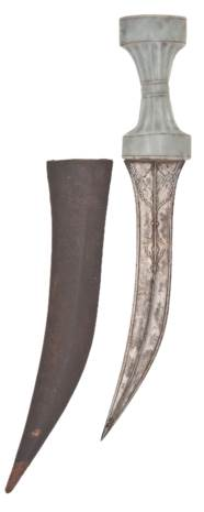 AN AGATE-HILTED DAGGER (KHANJA