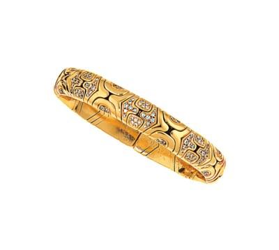 A diamond-set 'Alveare' bangle