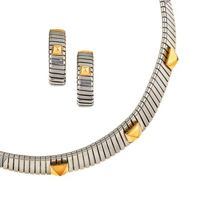 A bi-metallic 'Tubogas' neckla