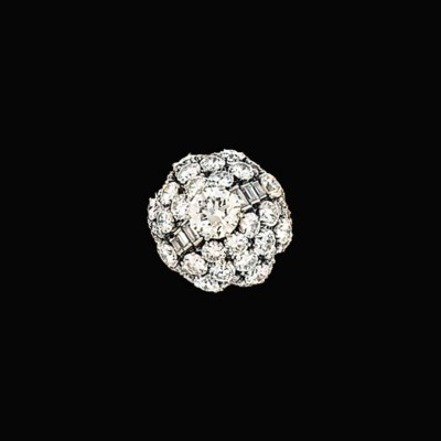 A diamond cluster ring, by Bul