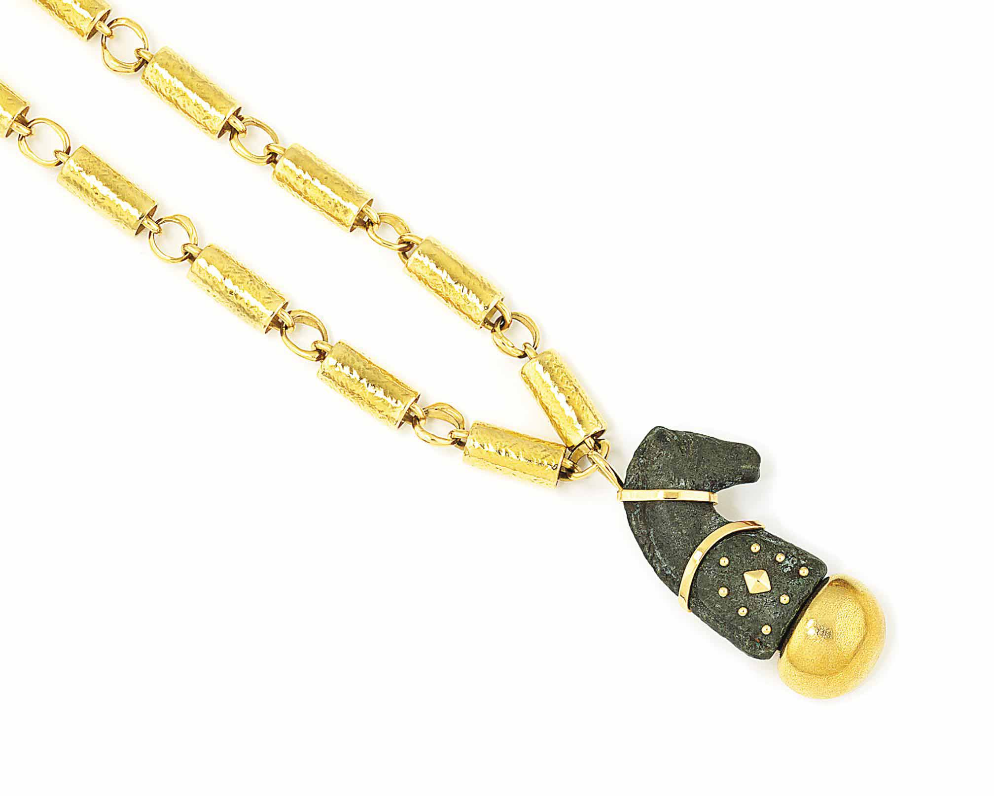 AN 18CT GOLD AND BRONZE NECKLACE, BY ELIZABETH GAGE