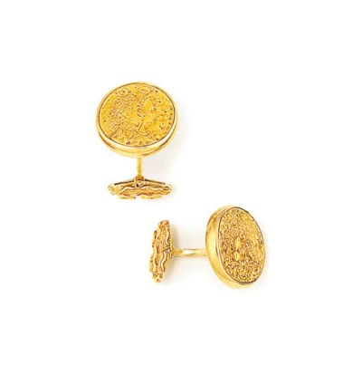 A PAIR OF CUFFLINKS, BY SALVAD
