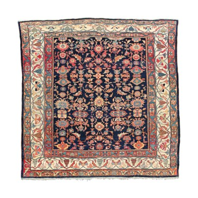 An antique Sultanabad carpet