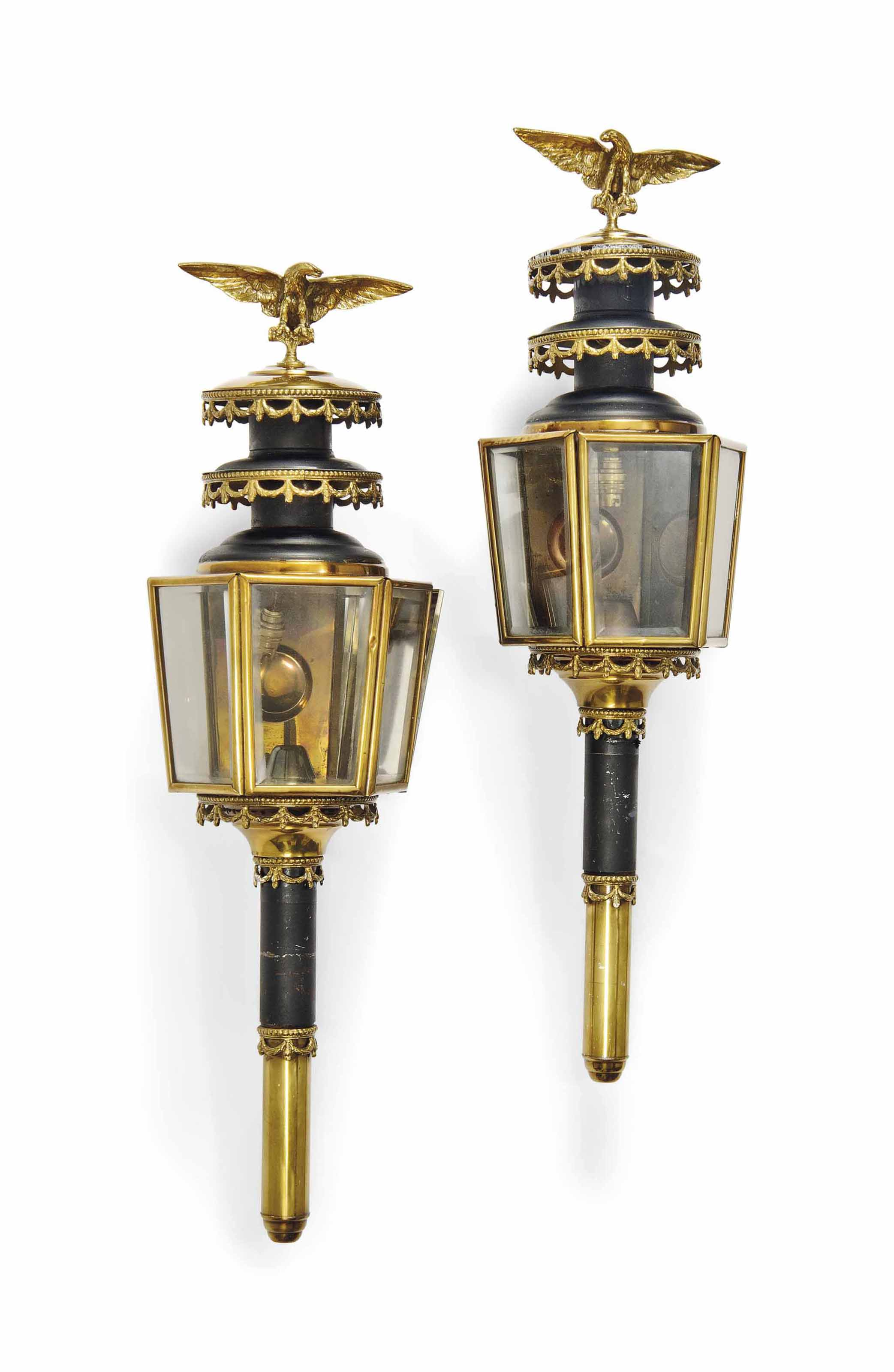 A PAIR OF ENGLISH BRASS AND TINPLATE COACH LAMPS