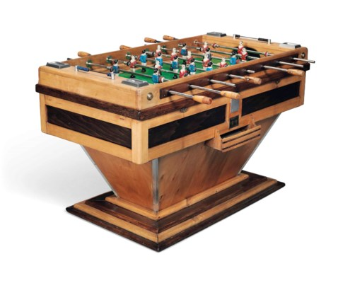 A FRENCH FOOTBALL TABLE GAME