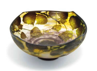 A DAUM CAMEO GLASS BOWL