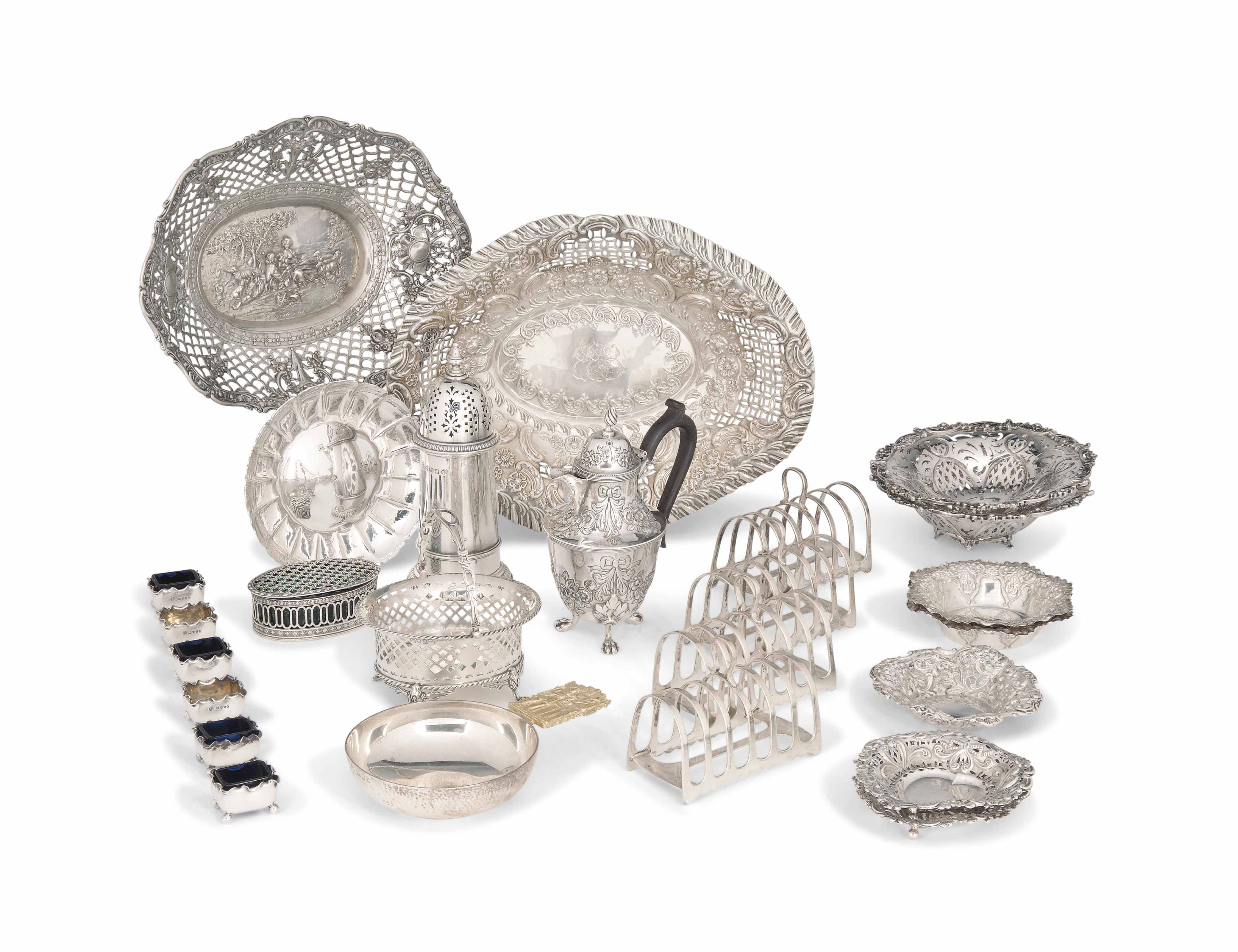 A LARGE GROUP OF SILVER ITEMS