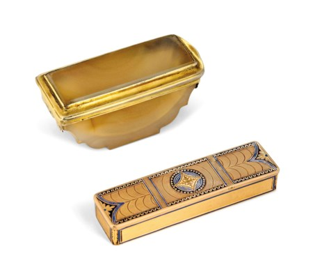 A SWISS GOLD AND ENAMEL TOOTHP