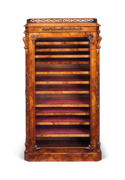 A VICTORIAN FIGURED AND BURR-W