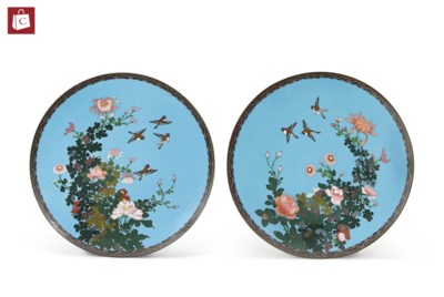 A PAIR OF JAPANESE CLOISONNE E