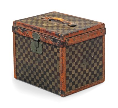 A DAMIER CANVAS MAN'S HAT BOX