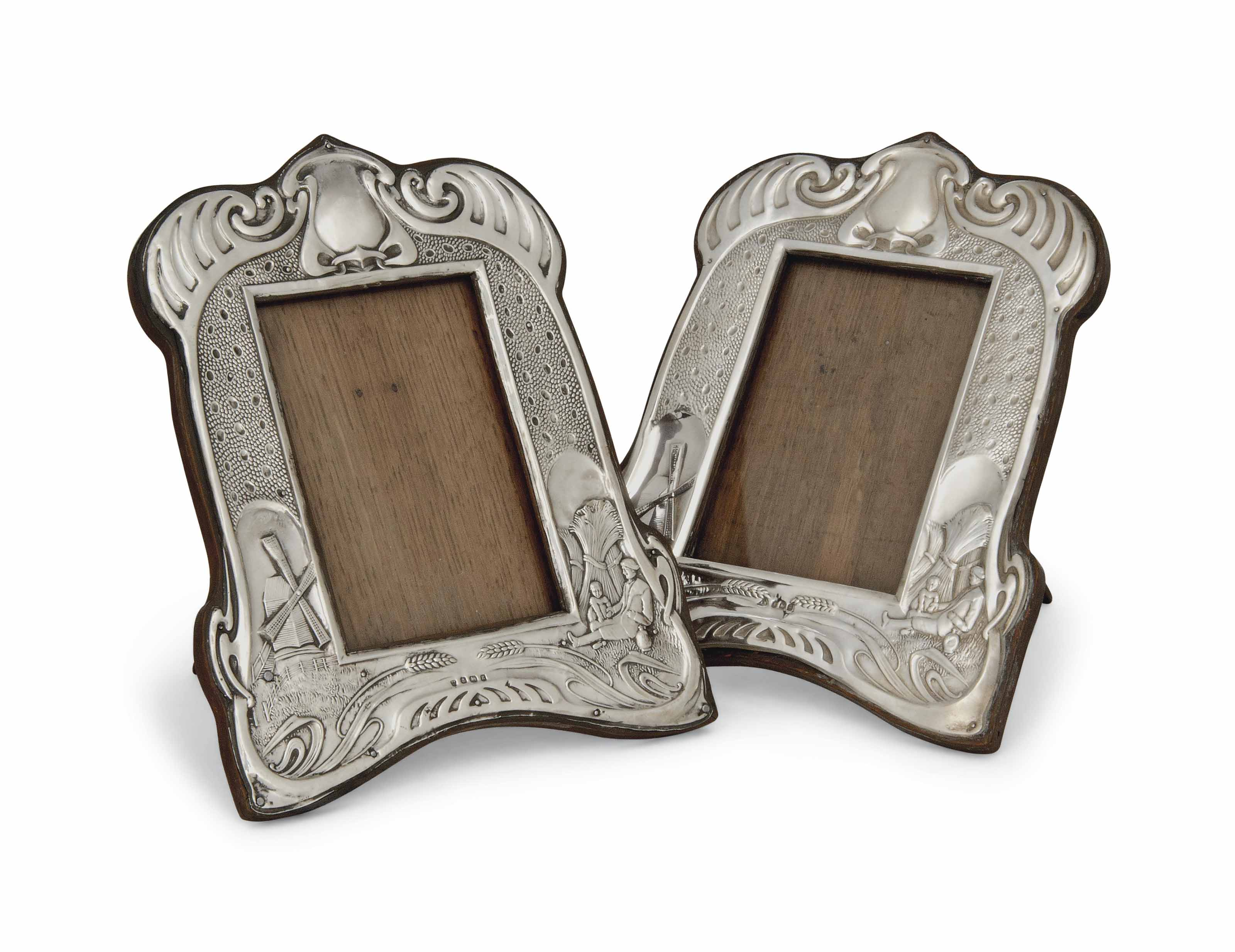 A MATCHED PAIR OF EDWARDIAN SI