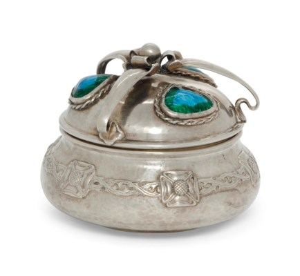 AN EDWARDIAN SILVER AND ENAMEL