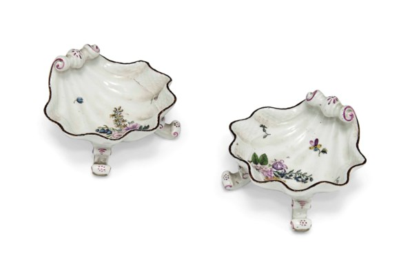 A PAIR OF MEISSEN SHELL-SHAPED