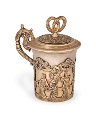 A RUSSIAN SILVER-GILT COVERED
