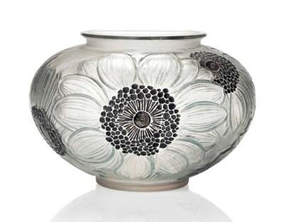 A 'Dahlias' Vase, No. 938