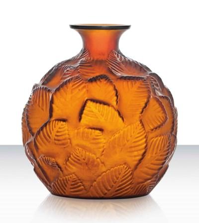 An 'Ormeaux' Vase, No. 984