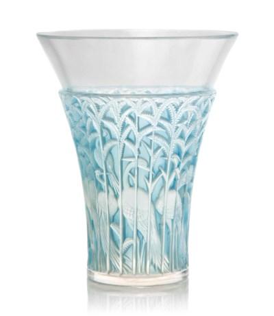 An 'Ibis' Vase, No. 1099