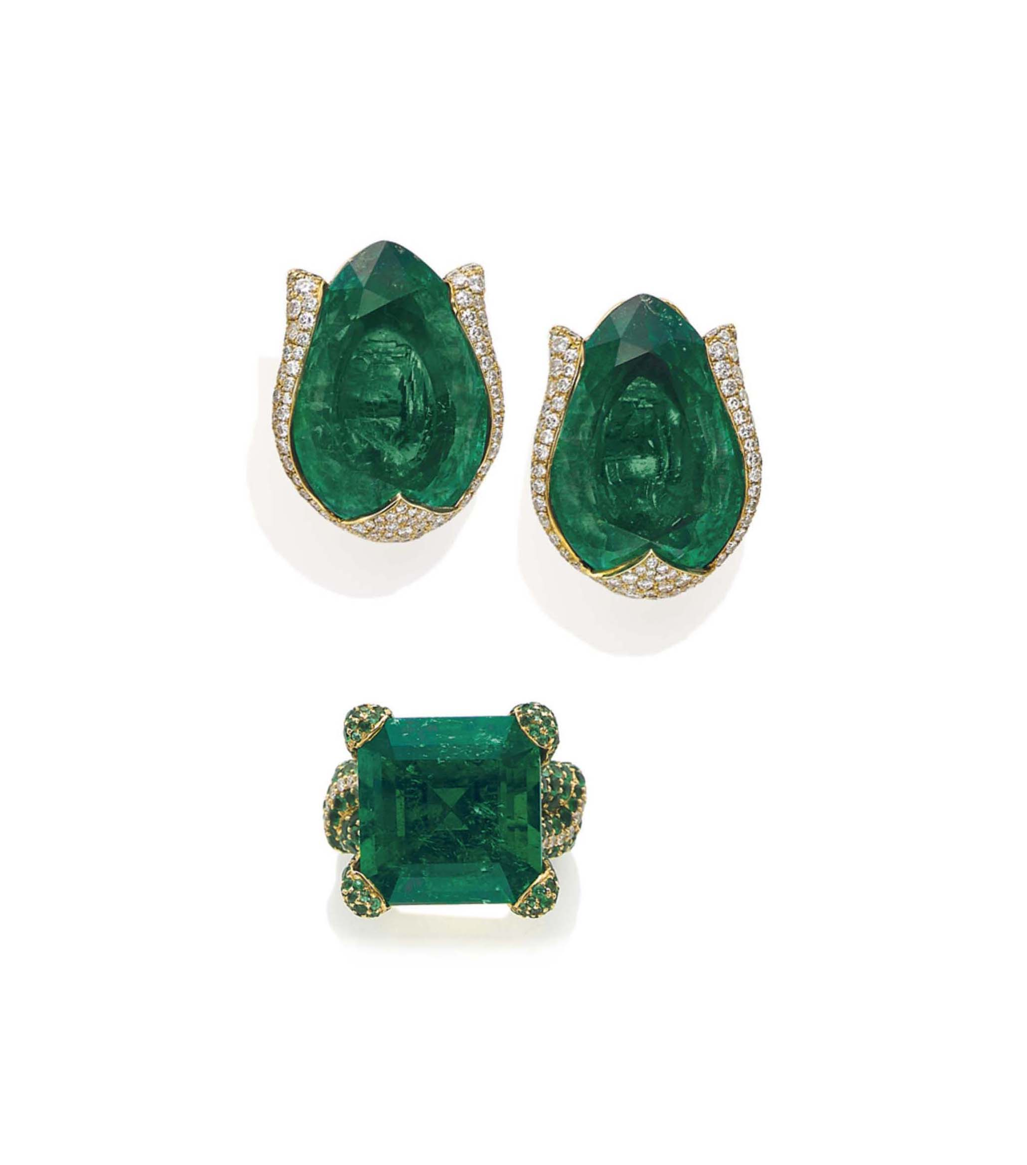 A GROUP OF EMERALD AND DIAMOND JEWELLERY, BY DE GRISOGONO