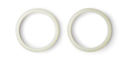 A PAIR OF WHITE JADE BANGLES