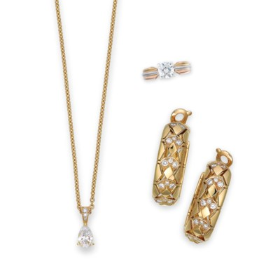 A GROUP OF DIAMOND JEWELLERY,