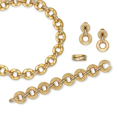 A SUITE OF GOLD JEWELLERY, BY