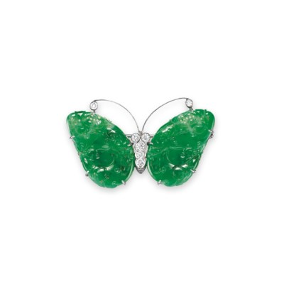 A JADEITE AND DIAMOND BROOCH