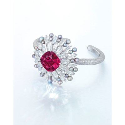 AN UNUSUAL SPINEL, DIAMOND AND