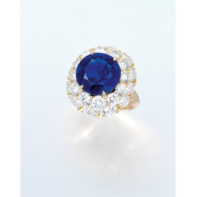 AN EXTREMELY RARE SAPPHIRE AND