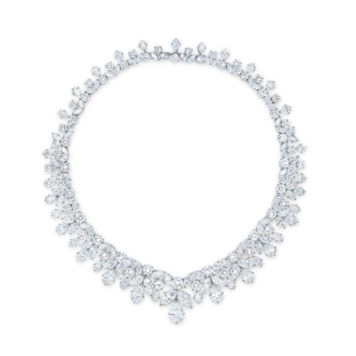 AN IMPORTANT DIAMOND NECKLACE,